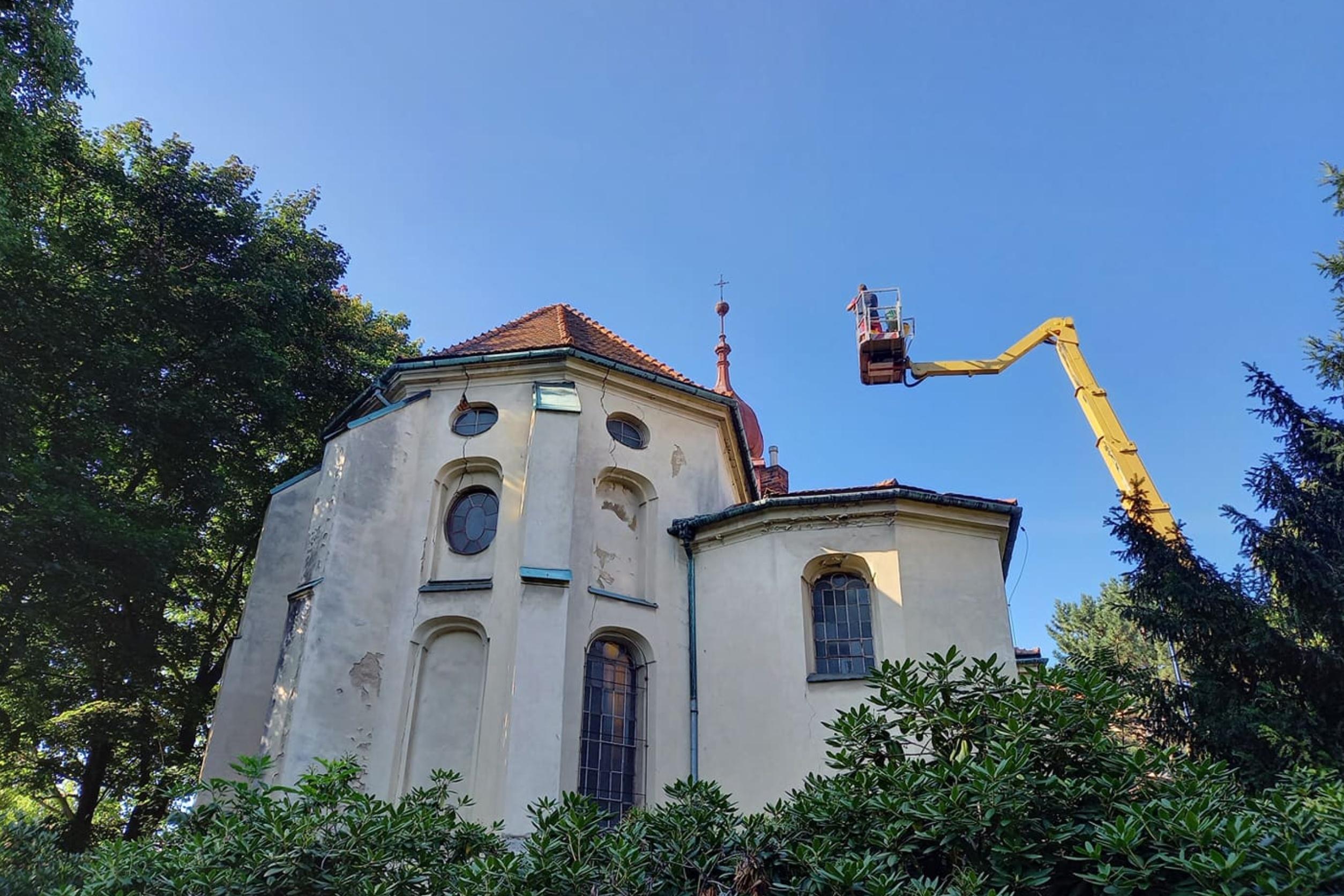Údržbové práce na Kostele svatých Janů v Opavě